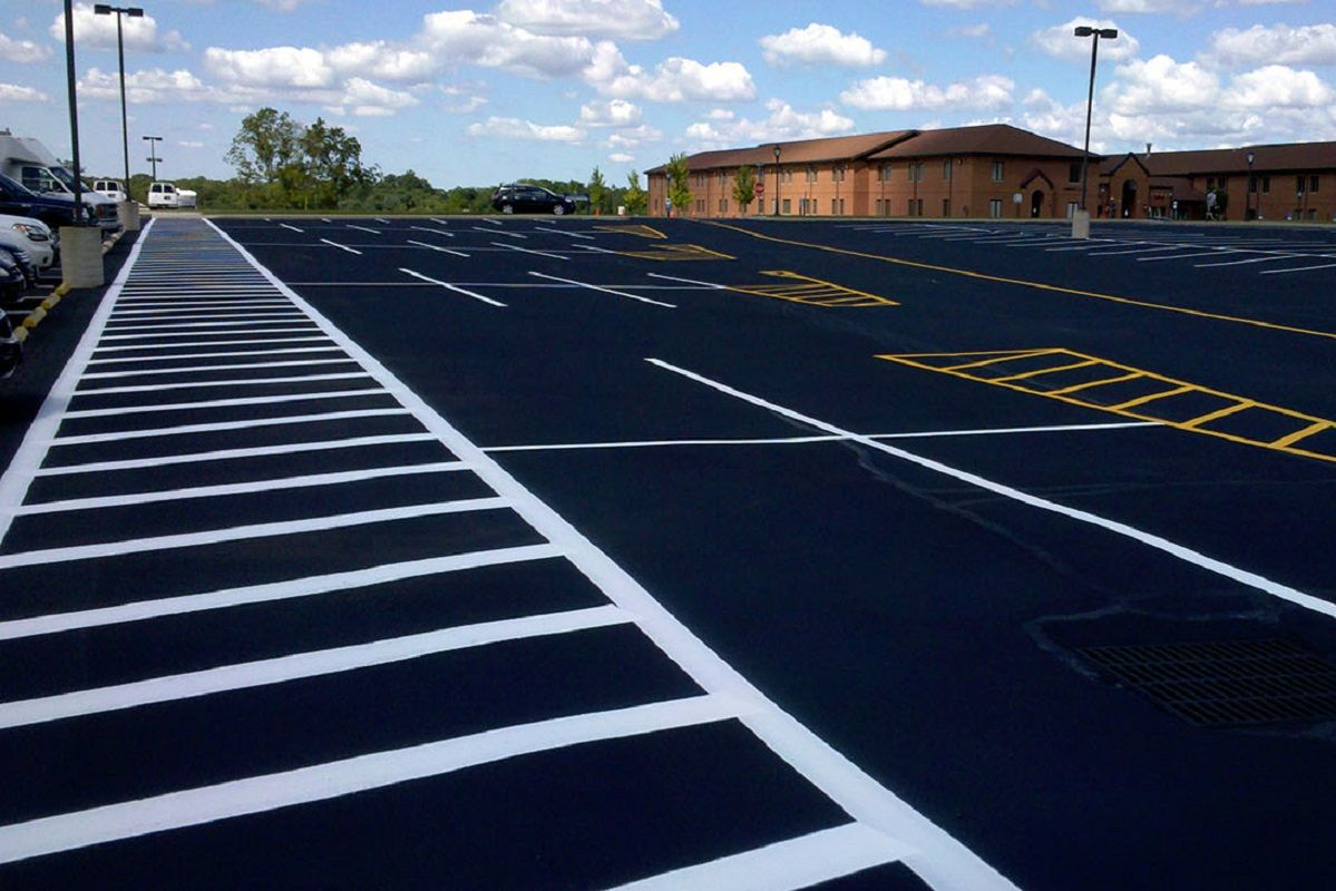Five Benefits of Sealcoating Your Parking Lot