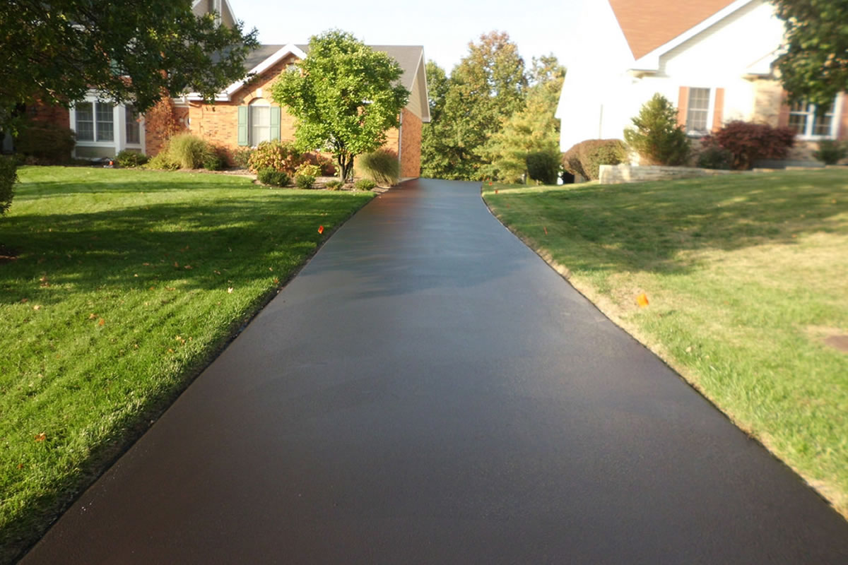 The Five Benefits of Seal Coating Your Driveway